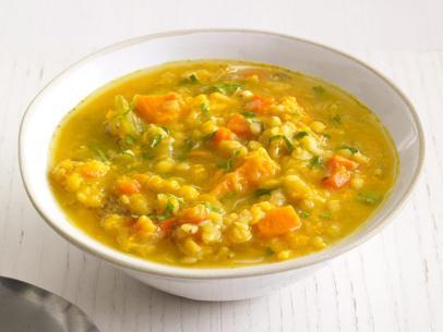 Slow Cooker Sweet Potato & Lentil Soup